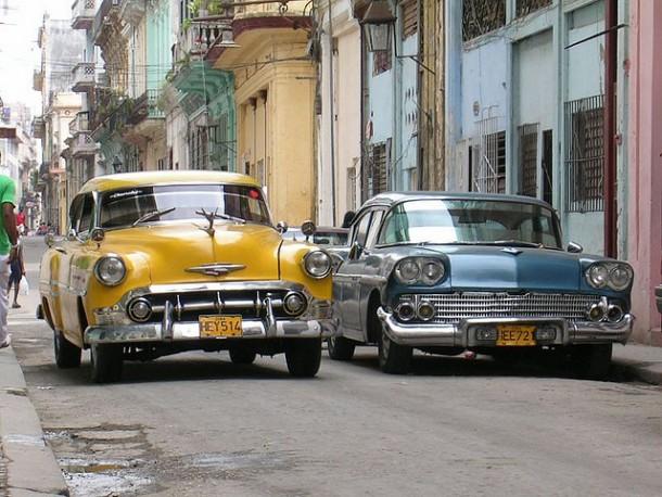 Vintage cars at La Havana | via  dangerous-business