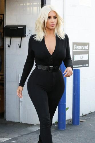 El cuerpo reloj de arena de la celebrity | vía Vogue