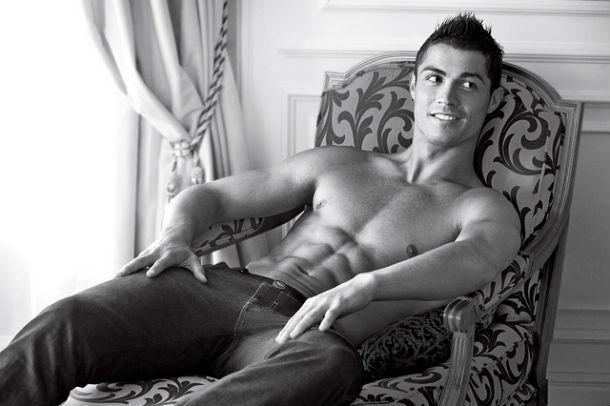 Cristiano Ronaldo naked for Emporio Armani jeans campaign | Enrique Lin